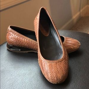Cole Haan Nike air woven brown flats. Size 8